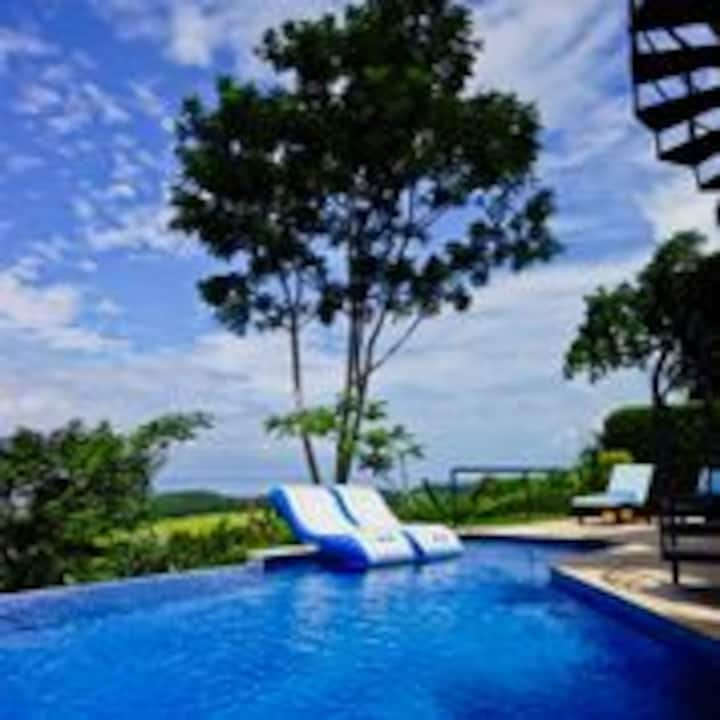 Breathtaking Ocean Views-Steps from Dominical