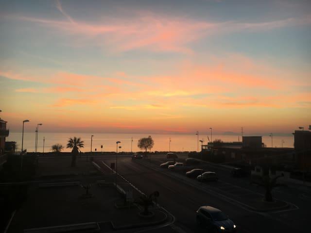 Fiordaliso-Tra Roma e Napoli, sul mare, terme 15km - Minturno - Appartement