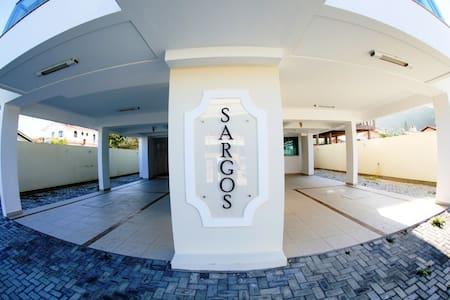 Apartamento 100 metros da Praia de Palmas 2 Dormi - Governador Celso Ramos - Lejlighed