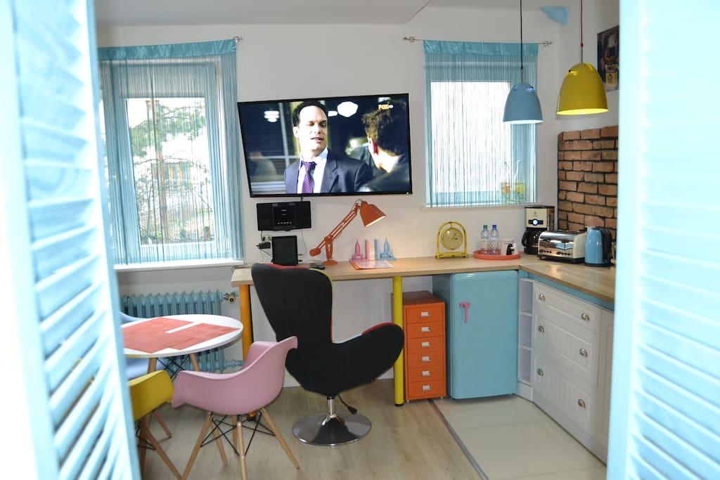 Apartment ColorsArt&Garage