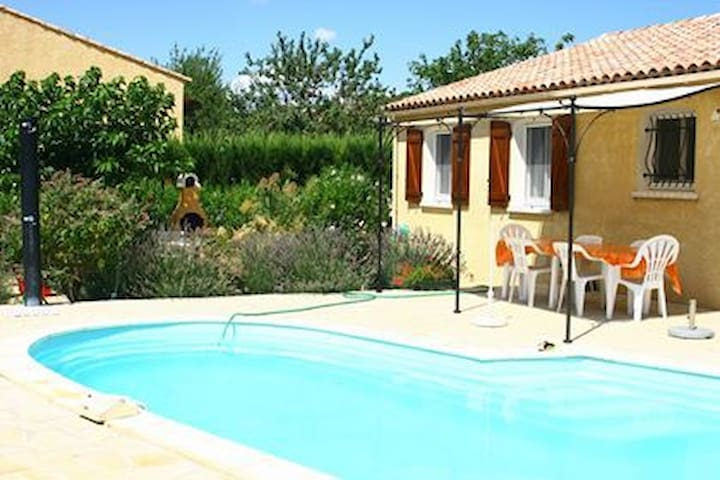 Argeliers, confortable villa avec piscine privé