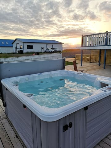 Enjoy the sunset and the panoramic view from the Jacuzzi/Hot tub.