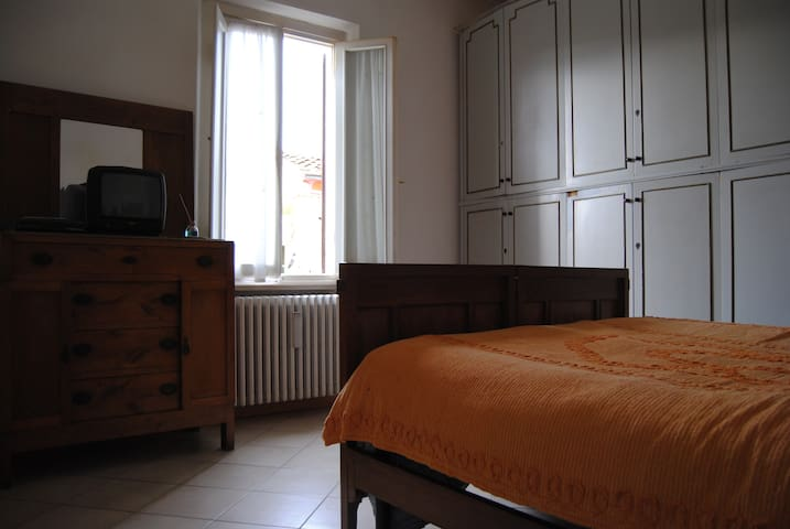 Cheap room close to Chianti - Montevarchi