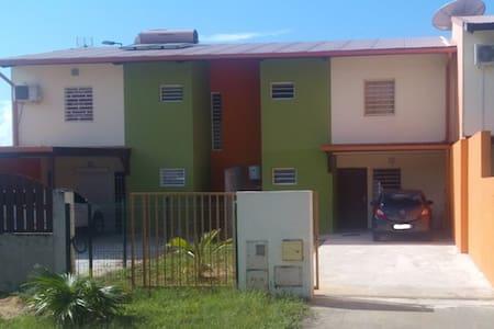 Maison avec Terrasse et jardins - Macouria - Ev