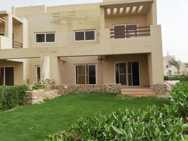 Mousa Heights Townhouse with Private Garden