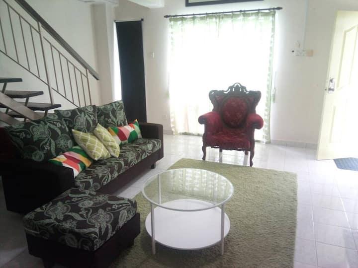 Cozy 2 storey Bandar Puncak Alam Homestay