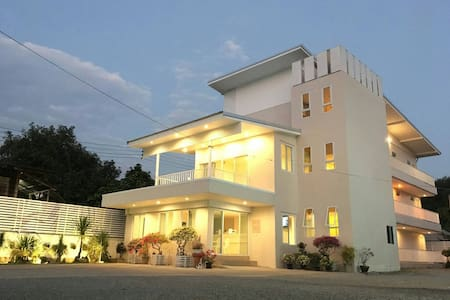 Bee My Guest Hotel - Mueang Chiang Rai
