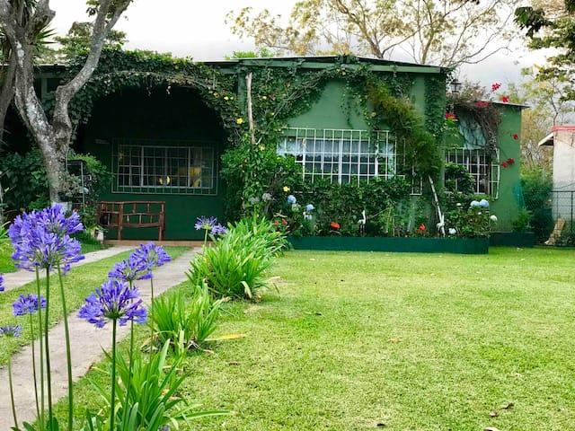Casa de campo en Residencial Santa Clara Apaneca