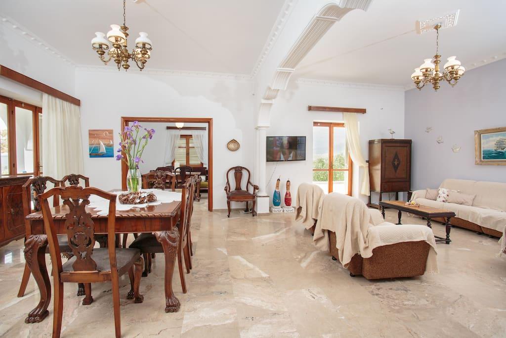 Main livingroom.