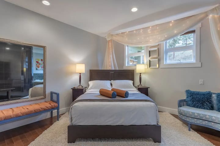 Chef's House Okanagan by Elevate Rooms - Deluxe Room with Spa