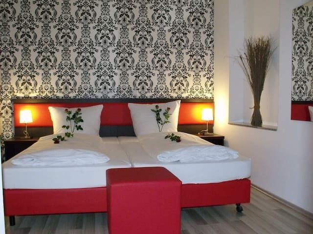 Cityhotel-Ahlen: Modernes Zimmer in zentraler Lage