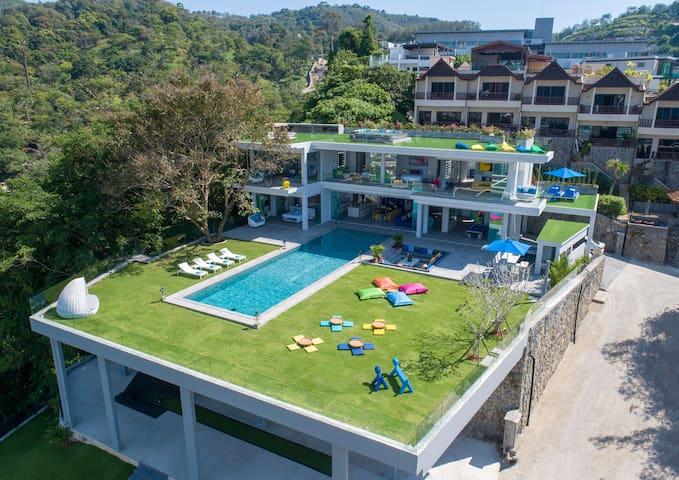 Villa Enjoy - New Modern Villa in Patong