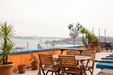 Flat&Amazing Terrace @Galata - Lägenhet