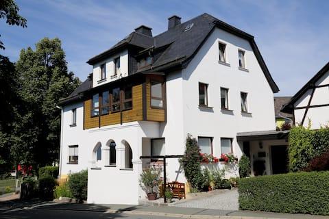 Ferienwohnung am Eisenbühl (90m²)