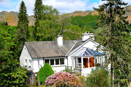 Greenbank House Spacious home for 10; Pet friendly