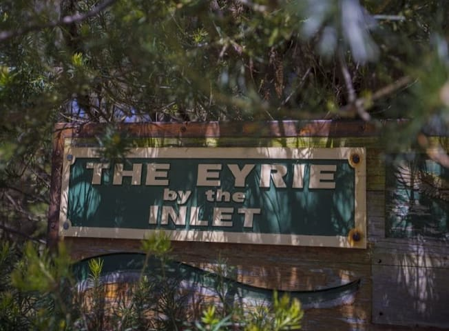 Eyrie by the Inlet - Aquila Lodge