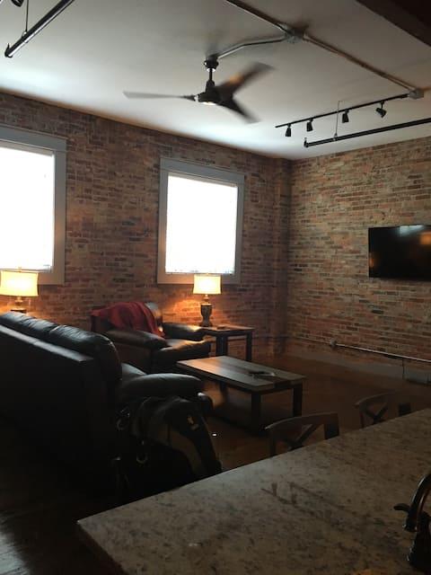 The Velo Loft Apartment in Downtown Calhoun