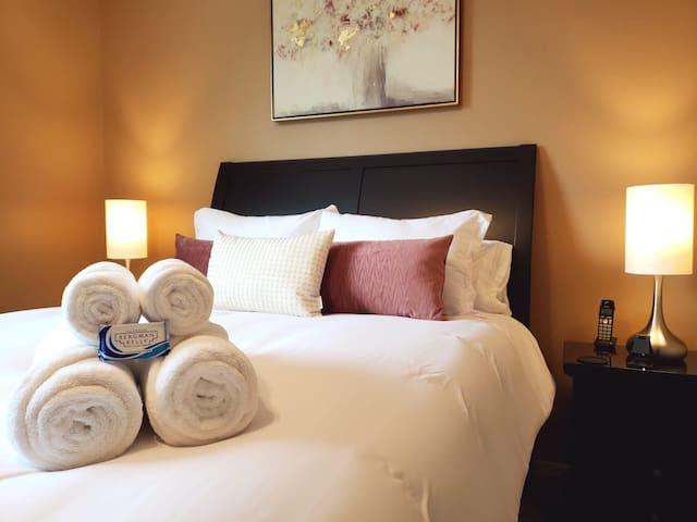 Serene Private bedroom in New Tampa