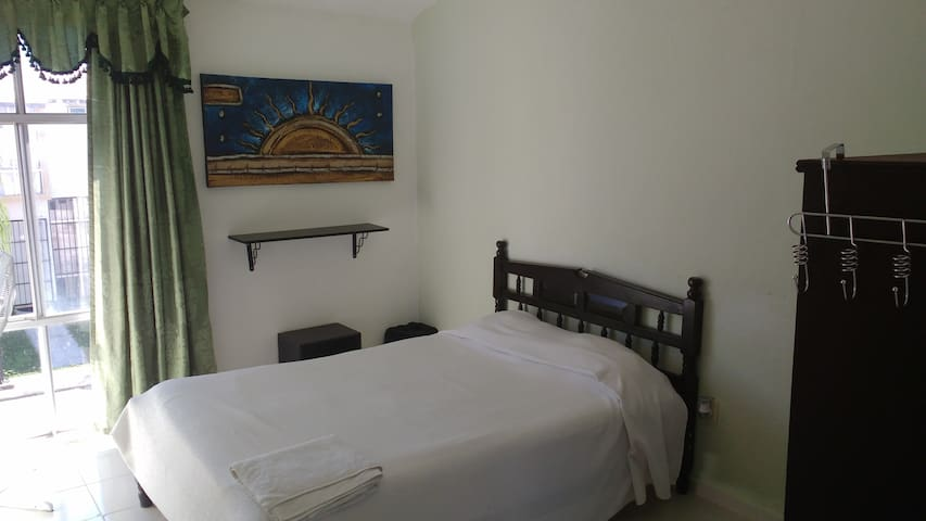 1) Bedroom for two air conditioner shared bathroom