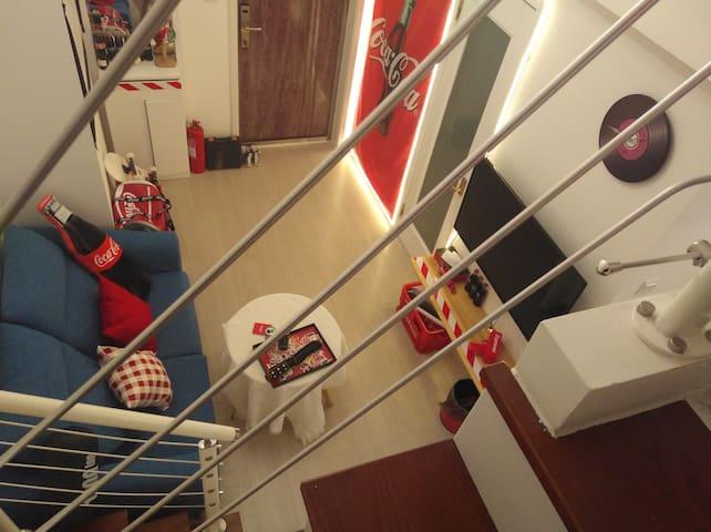 【汤圆儿民宿-可乐】可乐风最美loft民宿   两卧两卫+休闲娱乐区 看海看演唱会最佳地