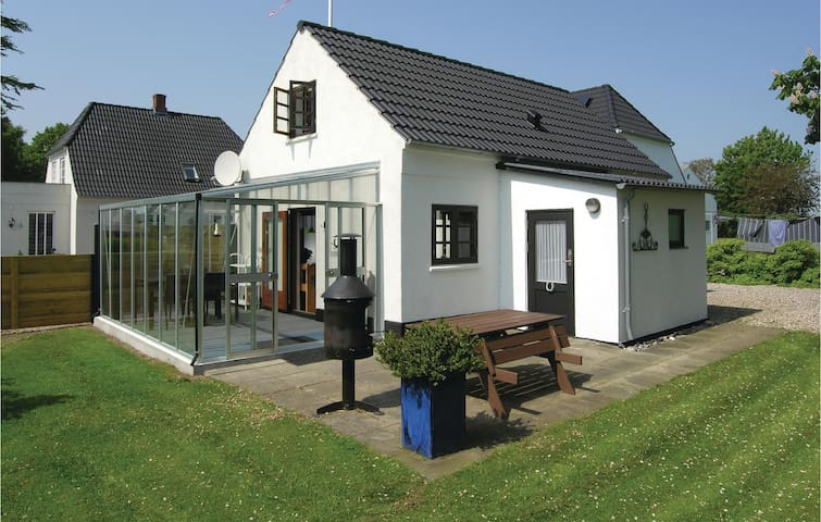 Holiday cottage with 2 bedrooms on 91m² in Bagenkop