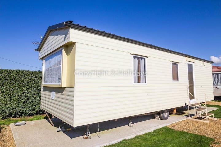 6 berth static caravan that's dog friendly in Hunstanton in Norfolk ref 13014L