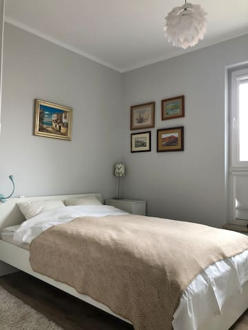 Bedroom for 2 adults