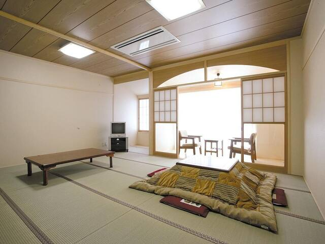 Kyoto sightseeing and natural hot spring with breakfast