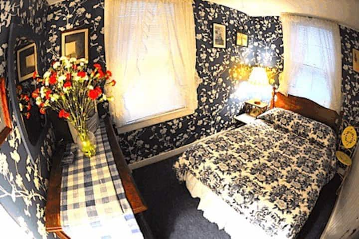 Whistler's Inn/The Blue Room (#10)