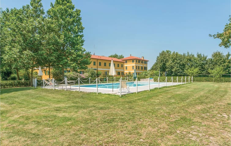 Holiday apartment with 2 bedrooms on 120 m² in Marango di Caorle VE