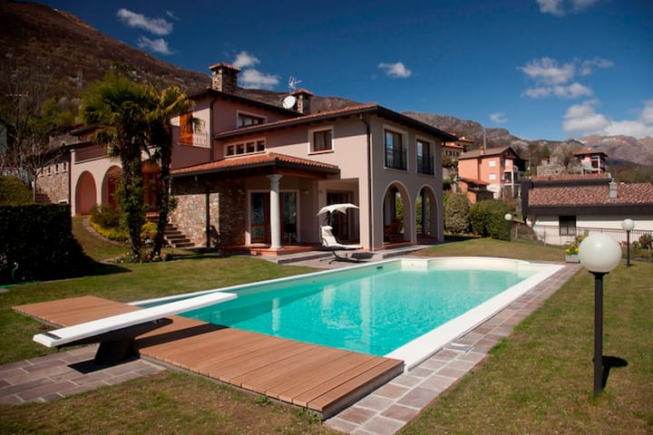 Villa Principessa Case In Affitto A Cremia Lombardia Italia