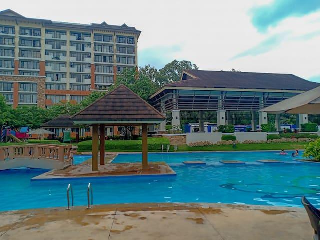 Resort Condo with 2 Bedrooms near Ayala, SM