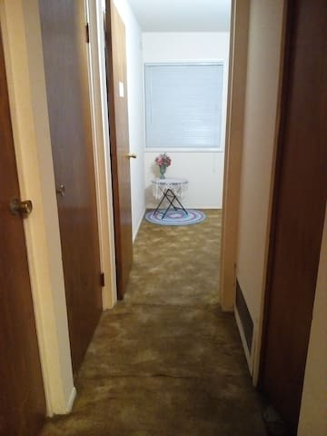 Clean privateroom close to mizzou/downtown/walmart