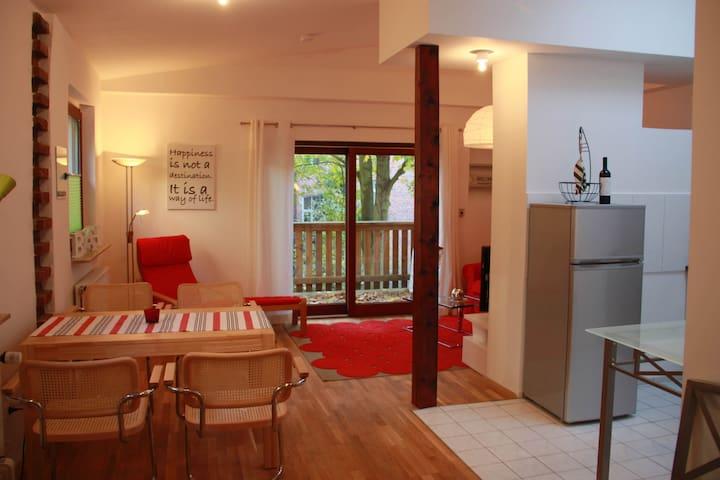 Schöne Wohnung im Vorderen Westen, mit Balkon