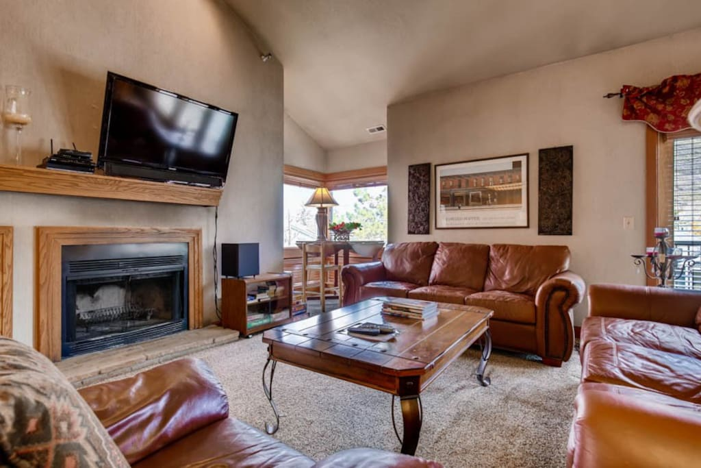 Silver Cliff #207 Living Area