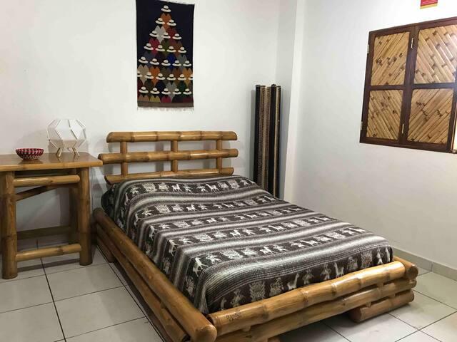 Bambo furnitures, of the highest quality, made by local carpenters.  Muebles de bambú, de la más alta calidad, hechos por carpinteros locales.