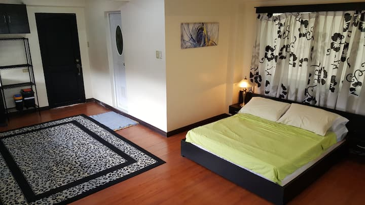 Spacious Family Room in Pagsanjan