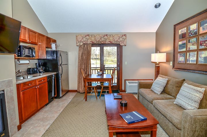 A316- Standard view suite w/ loft , sleeps 6, has a fireplace!