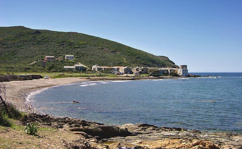 T2 à 40 m de la plage à Ersa