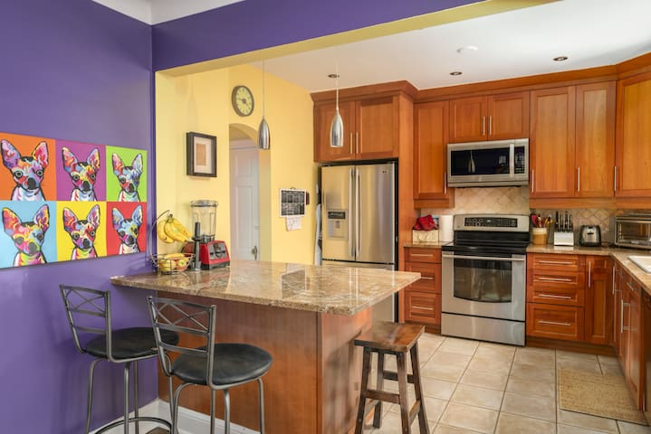 Charming home in one of Ottawas best neighborhoods