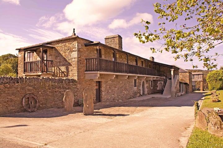 Berdeal, vivienda rural en Mañón.