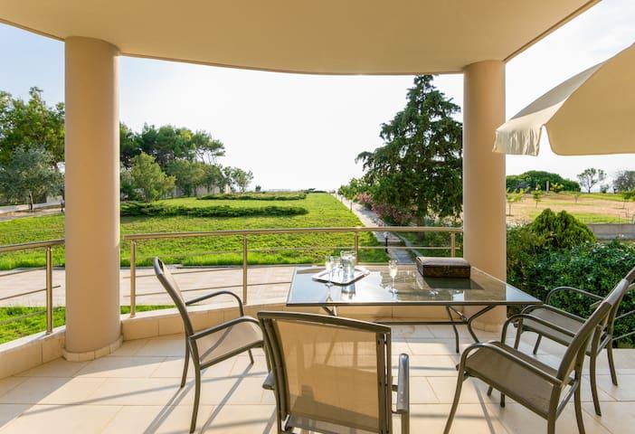 Alluring villa by the Aegean Sea - Nea Poteidaia - Villa