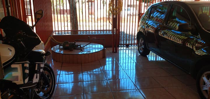 Kitinete Individual c/ Garagem Mobiliada + Ar