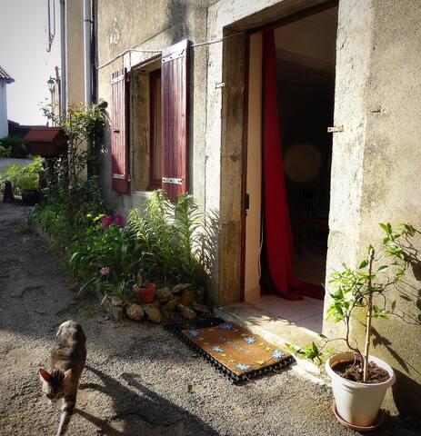 Chez Mémé- Gîte de hameau - 3pers- Vallée du Thoré