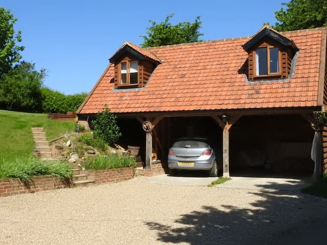 Rural studio for 2, Swallow Lodge, Semer, Hadleigh