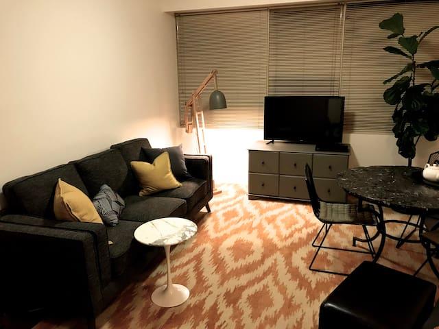 SOUTH YARRA - Classic Domain Precinct Apartment