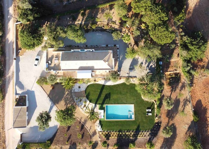 The Perfect Retreat | Countryside Views & Pool