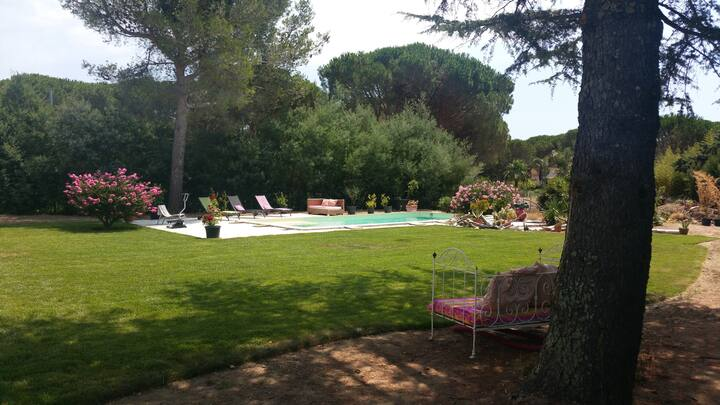 "Studio ""MARIN"" avec piscine Golfe de St Tropez"