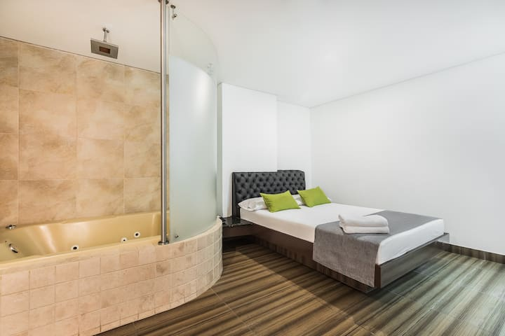 3H Hotel Habitación tipo bañera.