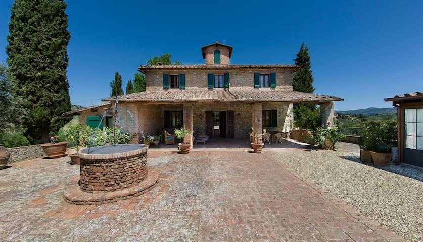 4+1 bd, vineyards, tower room, views - Poggibonsi - Villa